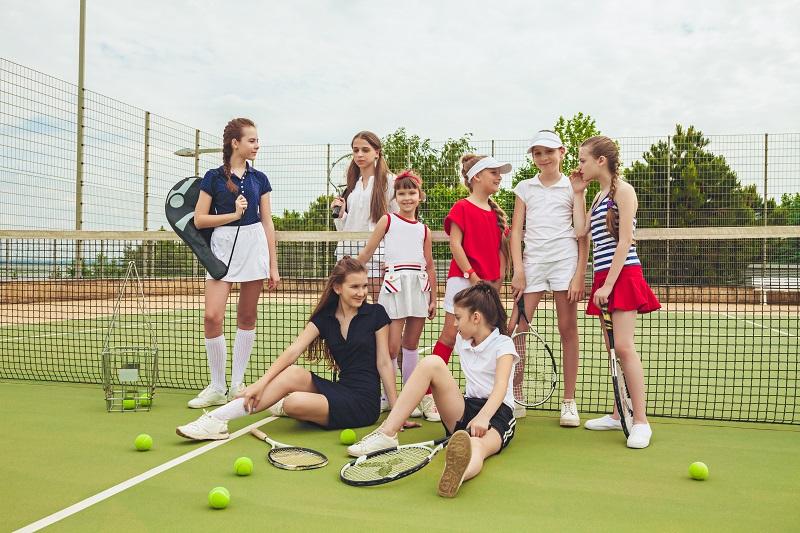 Jak wybrać odpowiednią piłkę tenisową dla dziecka?